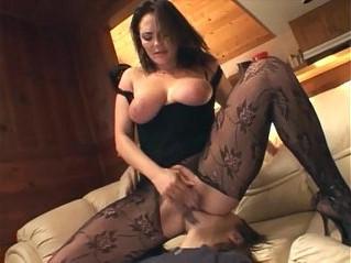 babe  busty  woman