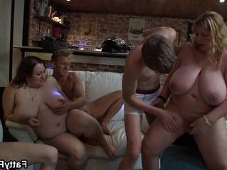 grandma  plump  tits