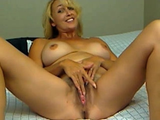 cougar   milf   spreading